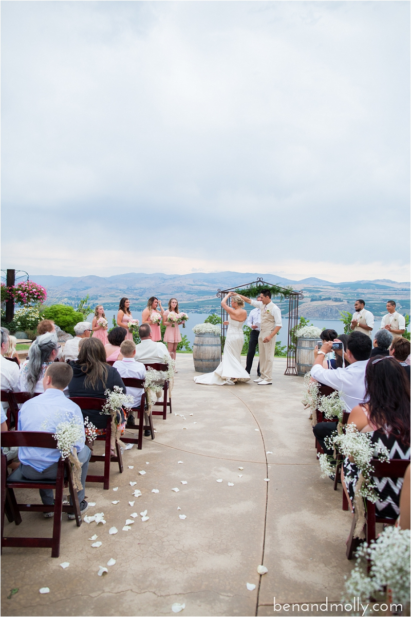 Lake Chelan wedding photographer photo (32)